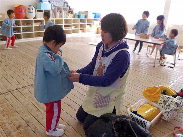 河輪幼稚園幼稚園 お母さんがお迎えに来たかな